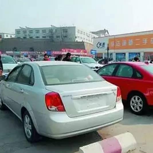 一看就会的停车泊位大法之:侧方停车位入库