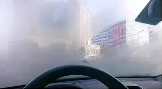 雨天开车<em>除雾</em> 必须学会这几招
